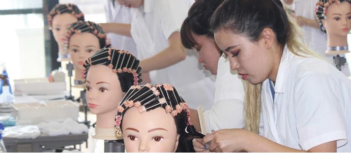 美容師国家資格も取れる